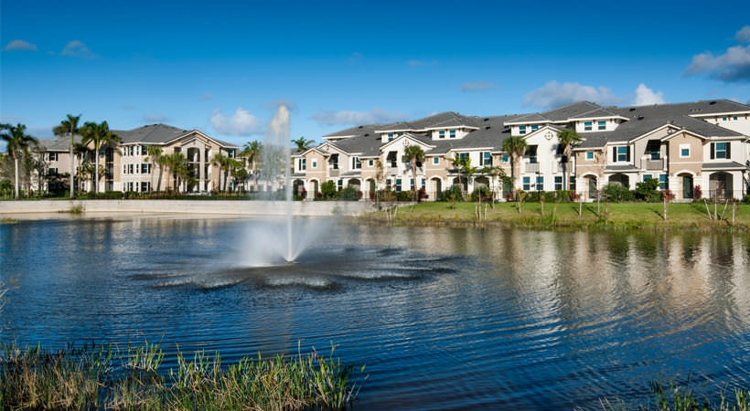 The quaye is a pet friendly apartment community in palm beach gardens fl for The fountains palm beach gardens